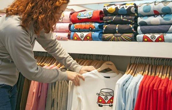רעיונות לעיצוב הדפסה על חולצות לאירועים