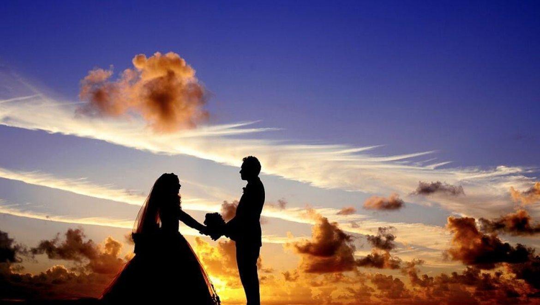 שמלת כלה וצילומי החתונה – איך משלבים אותם ביחד?